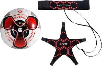 Pure2Improve Football trainer met bal maat 5
